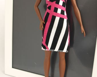 Free shipping! Dress for Barbie dolls , stretch clothes.