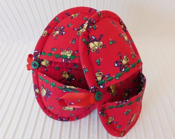 Pot Holders, Oven Mitts set of 2 Christmas colors set A