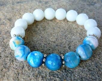 Agate bracelet, White - Blue bracelet, Stretch bracelet, Boho bracelet, Yoga bracelet, Zen jewelry, Chakra bracelet, Gemstone bracelet