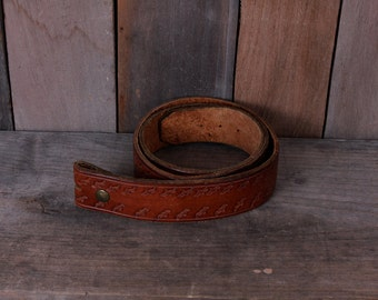Vintage Leather Belt with Removable Buckle Seagull Pattern