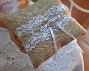 Burlap ring pillow Burlap Ring Bearer Pillow with lace Ring cushion Woodland / Rustic / Cottage style Wedding