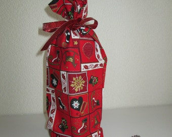 Wine bottle packing in special Christmas designs.