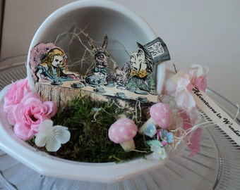 Alice TeaParty in a cup
