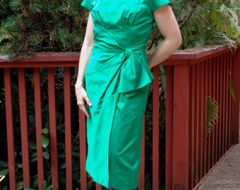Emerald Green Wiggle Dress 60s Leslie Fay Ruched Ruffle