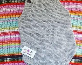 Hand knit wee romper Merino wool from newborn to 9-12 months Classic knit newborn romper