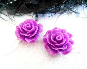 resin cabochons x 2 20 mm purple flowers