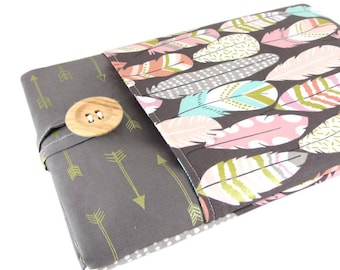 """Women's Laptop Sleeve 15.6"""" - Custom Sized To Your 15 Inch Laptop - Padded With Pocket, Feather Arrow Fabric"""