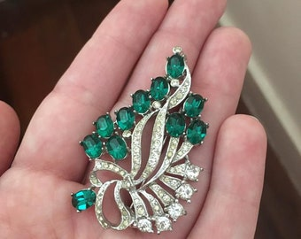 SALE - Vintage Emerald Green & Clear Rhinestone Silver Metal Brooch