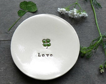 St. Patrick Shamrock Pottery Dish, Personalized Lucky 4 leaves Clover Ceramic,  Inspirational  Lucky Trinket dish, Green clover ring  dish