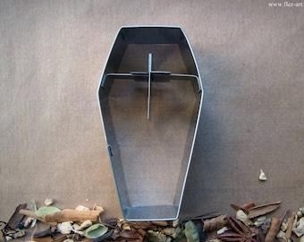 Cookie cutter *coffin