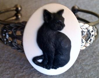 Cat, Cat cameo, Cat cuff, cat bracelet, ready to ship, gifts for her, cat jewelry, retro, Antique cat bracelet, crazy cat lady