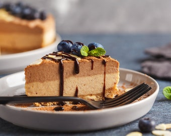 Salted Caramel Chocolate Cheesecake (Natural, Gluten-Free, Vegan, Paleo, Raw, Organic)