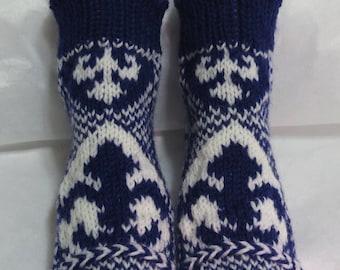 fleur-de-lis wool handmade socks