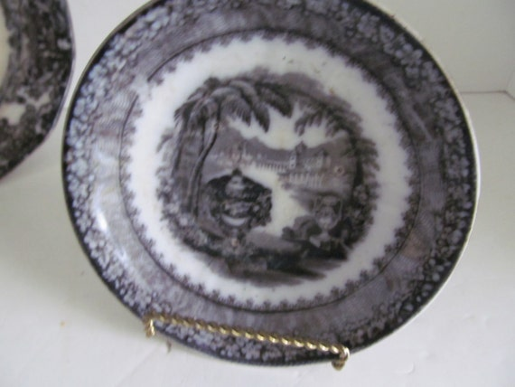 & 1840s Flow Black Mulberry Plates Black and white China Flow