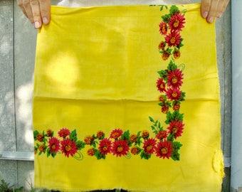 Yellow shawl Ukrainian shawl Russian shawl Vintage yellow shawl Floral scarf Stylish shawl Shawl with flowers Yellow scarf Soviet shawl