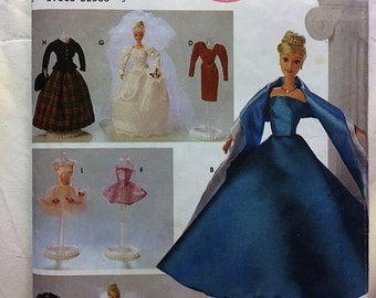 Vintage Simplicity pattern #8481 for 11 1/2 inch Fashion Doll clothes - p8481s