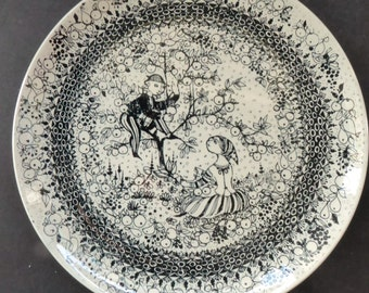 AUTUMN. Large 1970s BJORN WIINBLAD Seasons Wall Plate for Nymolle. 10 1/2 inches