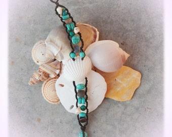 Clam Shell Caterpillar Bracelet (turquoise)