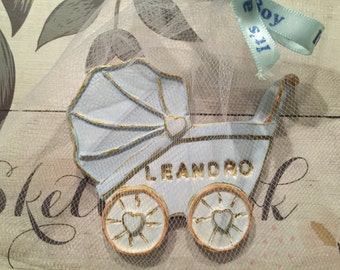 Baby Carriage made of clay. Blue with gold. Baby shower favor. Recuerdo de Baby Shower azul y dorado