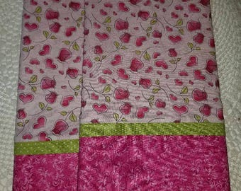 pink pillowcases, love, romance HEARTS AND ROSES Queen/Standard pillowcases bed linens Charlie Brown
