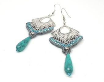 Orecchini lunghi in macrame, orecchini grandi in stile boho, pendente in turchese, orecchini etnici tribali, estivi e luminosi, regalo donna