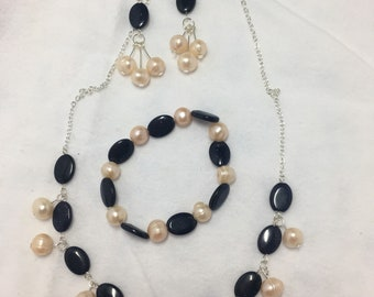 Blue sandstone and pearl jewelry set