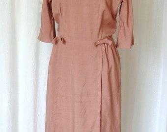 be6aae0f88 Vintage 1960 s Dusty Rose Linen Shift Dress