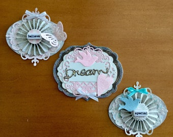 Shabby Chic Paper Embellishment set/3 (Special, Dream, Believe)