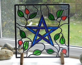 Pentagram Suncatcher, Pagan Glass Suncatcher, Purple Pentagram Glass Suncatcher, Hand Decorated Glass Suncatcher