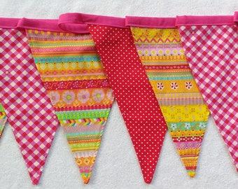 Verjaardagsslinger, party slinger, pennants, flags custom made (handmade, fabric)