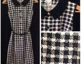 Vintage 1960s black and white houndstooth shift dress, size medium