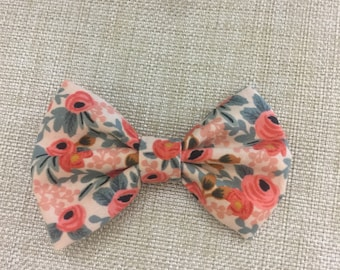 floral print fabric bow / baby headband / baby hair bow / toddler bow clip / bow headband / newborn headband / toddler bow tie / fabric bow