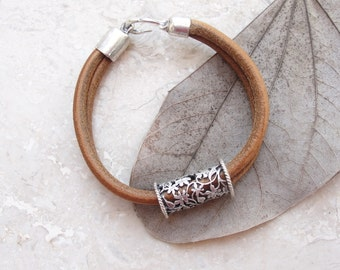 Leather Oriental Bracelet Leather and Metal
