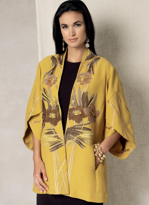 Sewing Pattern for Misses\' Tulip Banded-Sleeve KIMONO