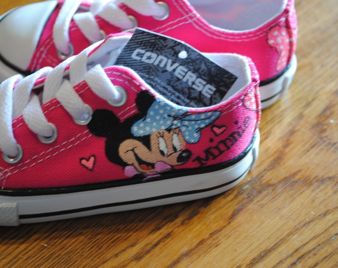 New Minnie Mouse hand painted converse sneakers size 6t  sold - this is just a sample