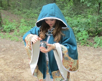 Small cloak costume clothing LARP medieval fantasy cape autumn customizable BemieCouture MsBemie made in Quebec