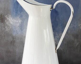 """Vintage französische Emaille Krug... Weiß mit blauen Rand... GROßE Höhe 15,1/2""""... Shabby Chic... Rustikale Küche... Nordischen Stil"""