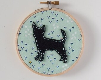 "4"" Chihuahua Embroidery Hoop Ornament"