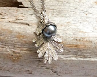 Acorn Necklace,Pearl Acorn Necklace, Grey Pearl Acorn Necklace,Acorn Jewelry,Silver Oak Leaf Necklace,  Nature Woodland Pendant Necklace