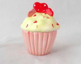 Buttercream cupcake candle, food candle, bakery candle, ceramic cupcake container candle, scented soy candle, soy wax candle, unique candle