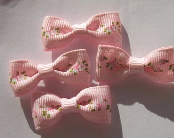 4 patterned printed 34 mm approx (A173 fabric bows