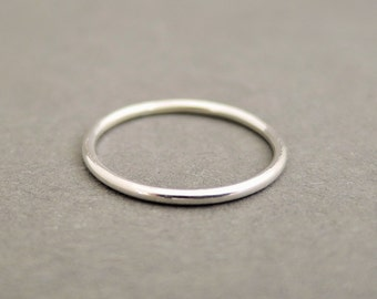 Silver Stackable Ring Minimalist Jewellery Plain smooth 16 gauge stacking rings . choose your size . simple everyday ring