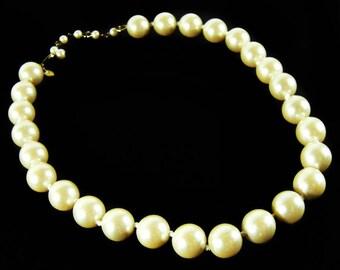 Vintage 70's  MONET Faux Pearl Necklace