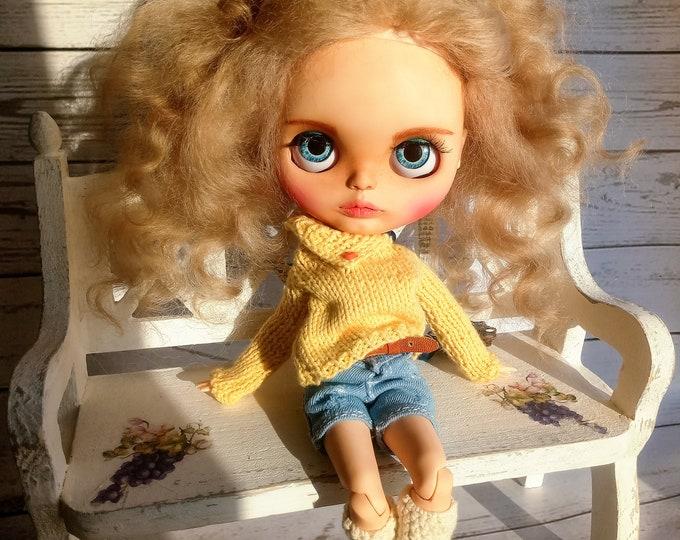 Doll April custom blythe