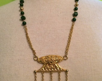 Stunning Asian theme vintage necklace with faux jade.