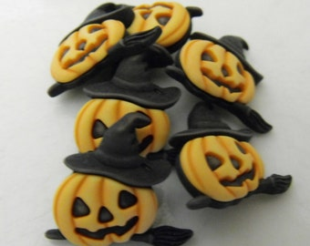6 Witch Pumpkin Shank Buttons
