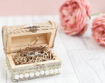 Rustic wedding ring box, ring bearer box,wooden ring holder, wedding ring pillow, ring box wedding, wooden ring box, country wedding idea