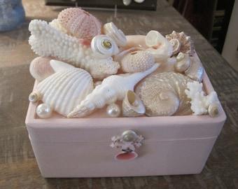 Beach Decor Seashell Jewelry Box - Jewelry Box - Shell Jewelry Box - Trinket Box -Pink Box - Seashell Box - Wooden Box - Gift - Beach