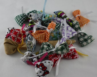 Cat Toys Catnip Handmade Fabric Gifts for Cats Various Colors Pack of 4 Feline 2 Paws Up Rating