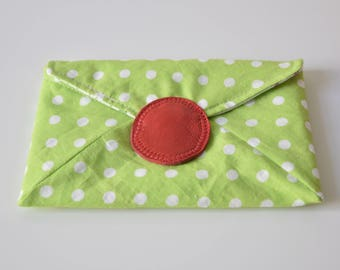 pouch green wallet with white polka dots / magnetic snap